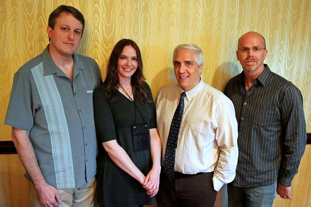 Tim Farley, Karen Stollznow, Steven Novella e Ray Hall. Foto tirada na The Amaz!ng Meeting TAM9 em Outer Space. Crédito da Imagem: Wikipedia.
