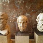 Platão, Aristóteles e Sócrates. Créditos da Imagem: Carole Raddato.