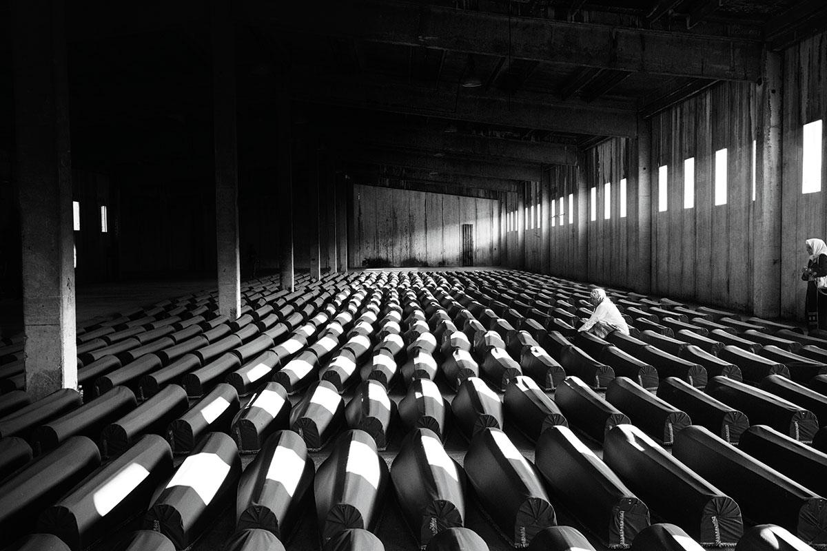 O Massacre de Srebrenica foi o pior da Europa desde a Segunda Guerra Mundial. (Paolo Pellegrin/Magnum Photos)