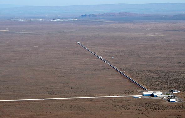 Uma das instalações LIGO vista do ar.