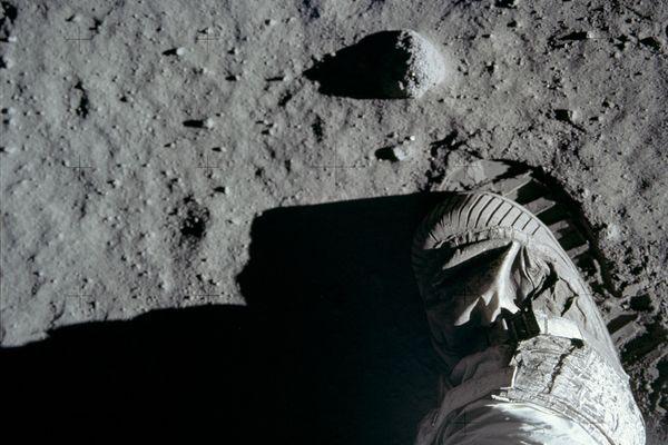 As Pegadas na Lua