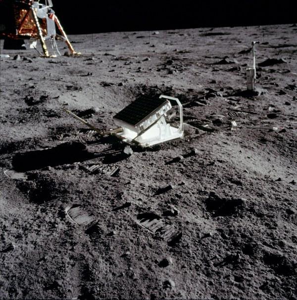 Refletor na Lua