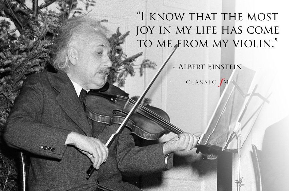 albert-einstein-1429182789-view-0